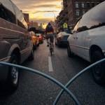 Велосипедист и опасности на дороге